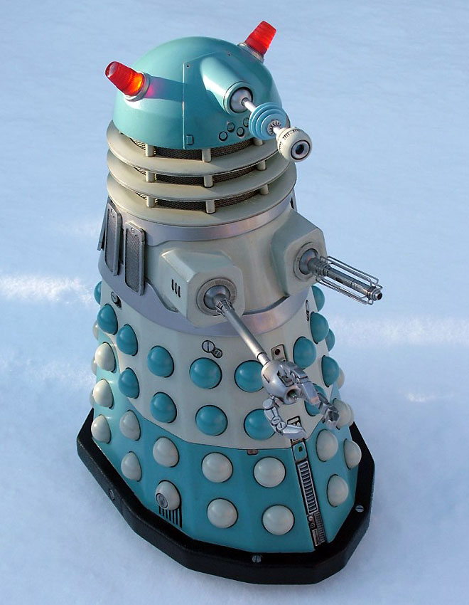 Blue and silver Mechmaster  Dalek.