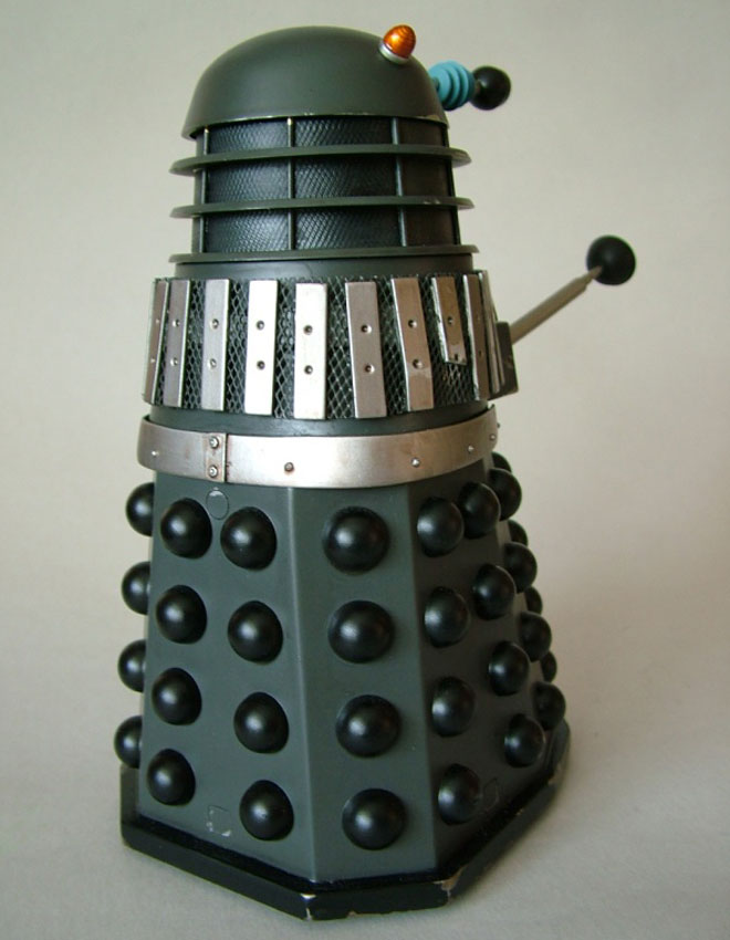 Mechmaster 8th scale Dalek, rear view.